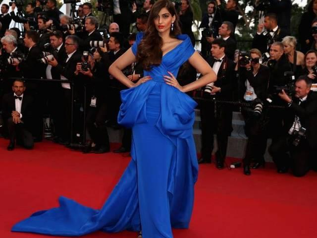 Mumbai_Actress Sonam Kapoor during the unveiling of L`Oreal Paris`s new Cannes collection