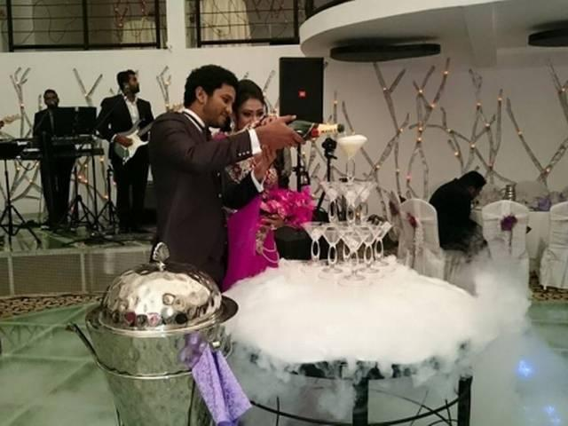 Srilanka Cricket Team_Dimuth Karunaratne dancing with his wife at their wedding