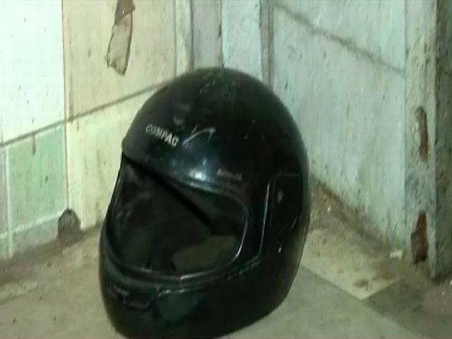 delhi_connaught_place_helmet_murder