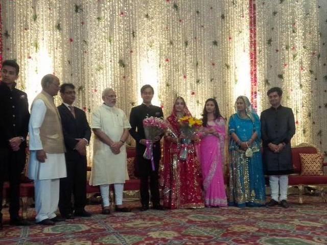 Narendra Modi_Digvijay Singh_Reception Party_BJP_Congress_