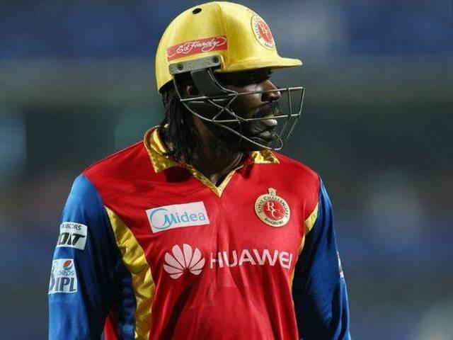 Gayle-Dhoni_