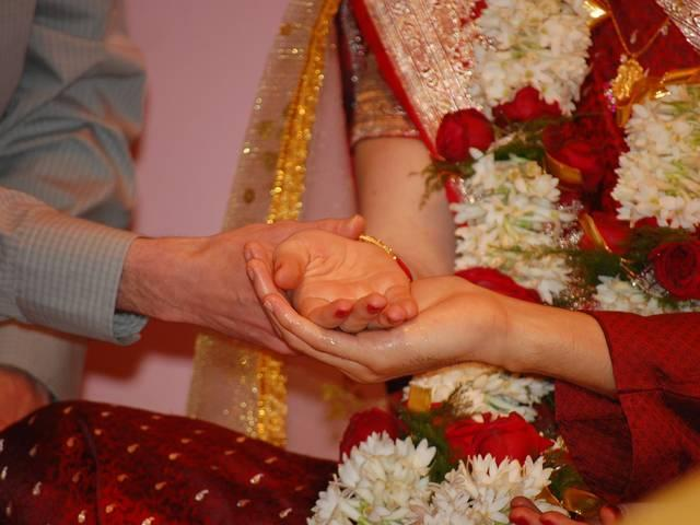 Man chops off wife's hair, nose for dowry