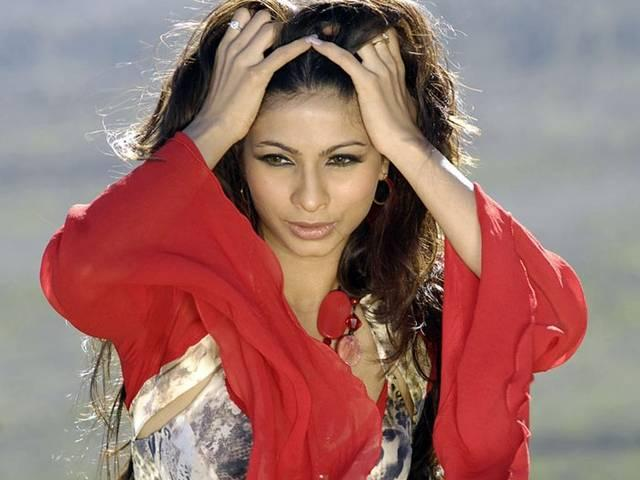 Nothing wrong with pre-marital sex: Tanishaa
