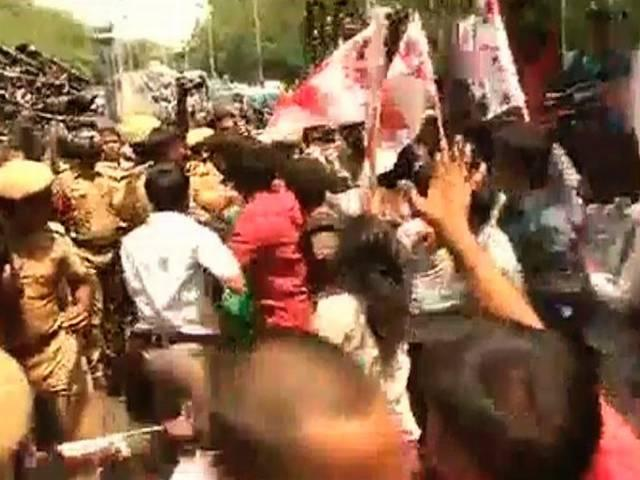 STUDENTS GROUP PROTEST OUTSIDE IIT MADRAS