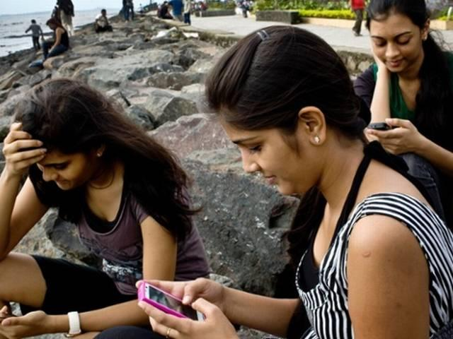 is free roaming in india possible?