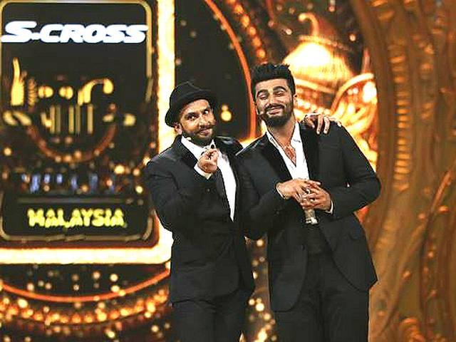 Ranveer-Arjun take dig at Aamir, 'Bombay Velvet' at 2015 IIFA