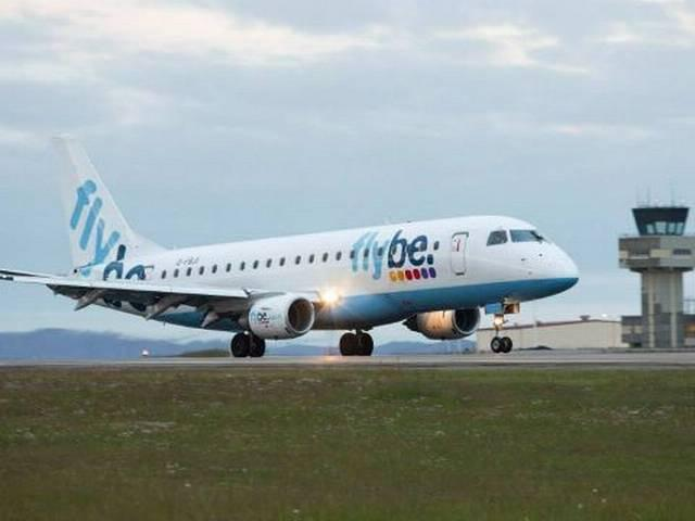 Bee forces Flybe flight BE384 to turn back to Southampton