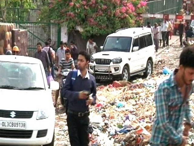 mcd_employes_strike_east_delhi