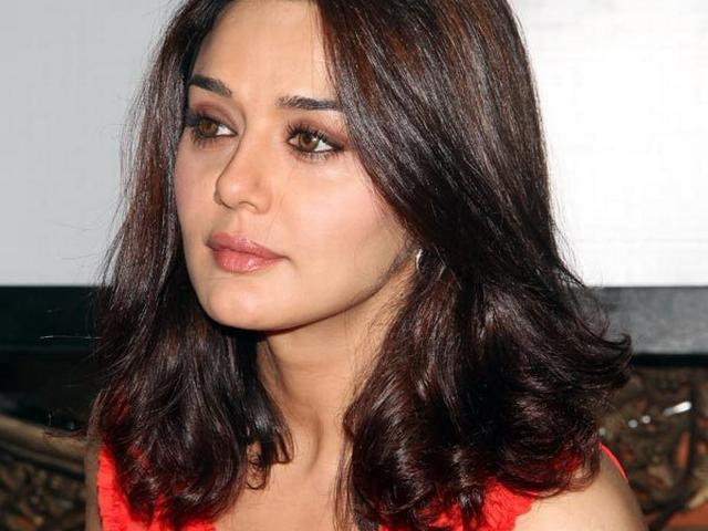 PREETY ZINTA NOT QUITING THE SHOW