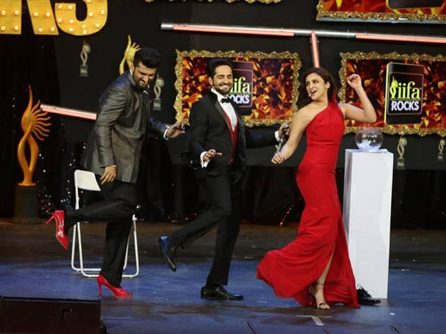 Arjun Kapoor DANCES In Heels | IIFA 2015