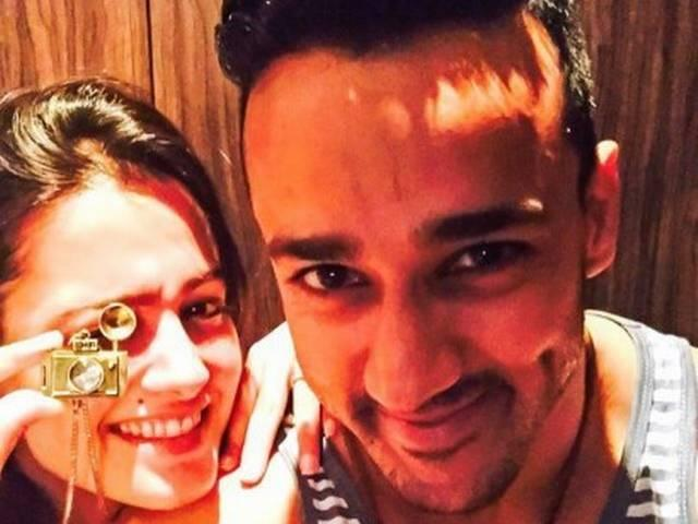 'RAMAN'-AND-'SHAGUN'S-ADVENTURE-TRIP-TO-LONAVALA-WITH-THEIR-REAL-LIFE-SPOUSES