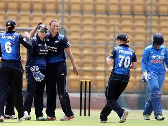 new zealand beat team india in first t-20