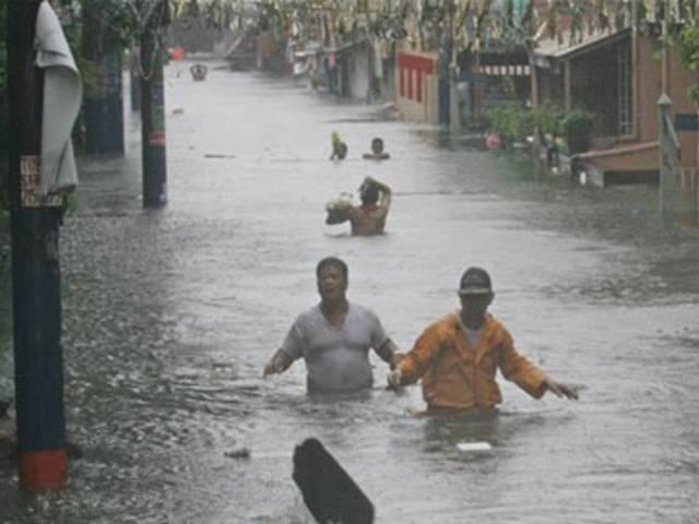 Heavy rain leaves 15 dead, 7 missing in N. Vietnam
