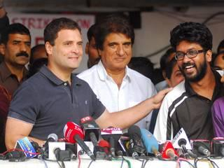 rahul apologizes to congress workers
