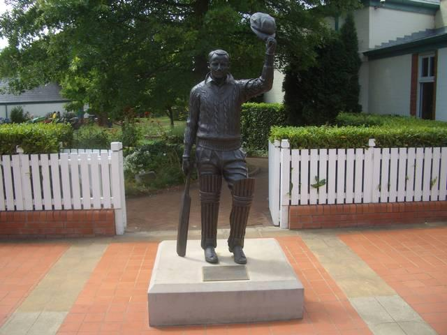 Sir Don Bradman_Australia Cricket Team_John bRadman_Museum_
