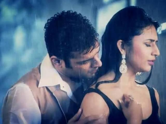 Karan Patel to shoot consummation scene with Divyanka Tripathi in front of wife?