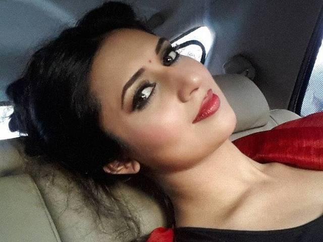 Divyanka denies dating a restaurateur, says she's very much single and ready to mingle