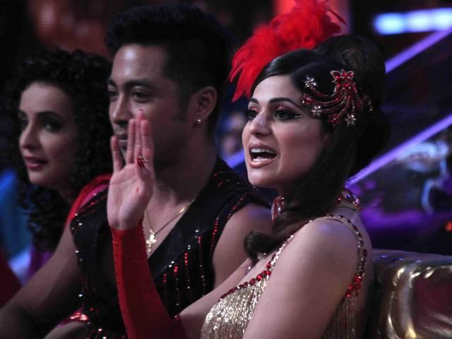 Promotion of film All Is Well on the sets of Jhalak Dikhhla Jaa Season 8