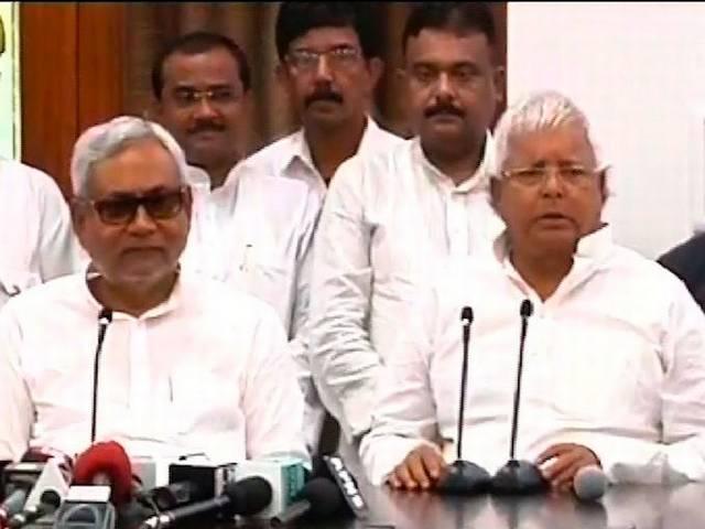 Lalu and Nitish Kumar announced seat sharing