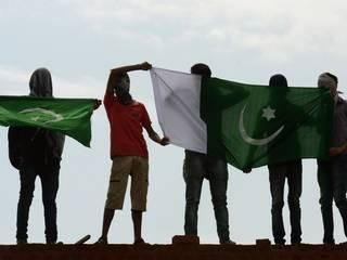 PAKISTAN_FLAG_KASHMIR_INDIA