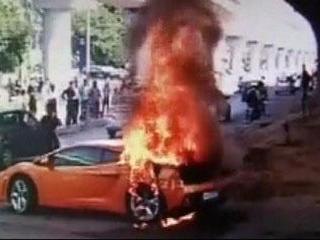 Rs. 2.5 Crore Lamborghini Gallardo Went Up in Smoke on mathura road