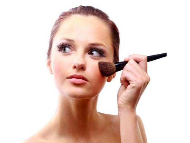 5 easy steps to smudge free make up