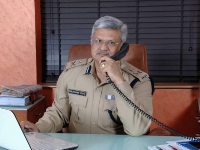 Ahmedabad police seek to play moral police against couples