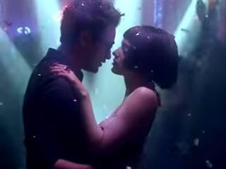imran and kangna kiss each other for 24 hours