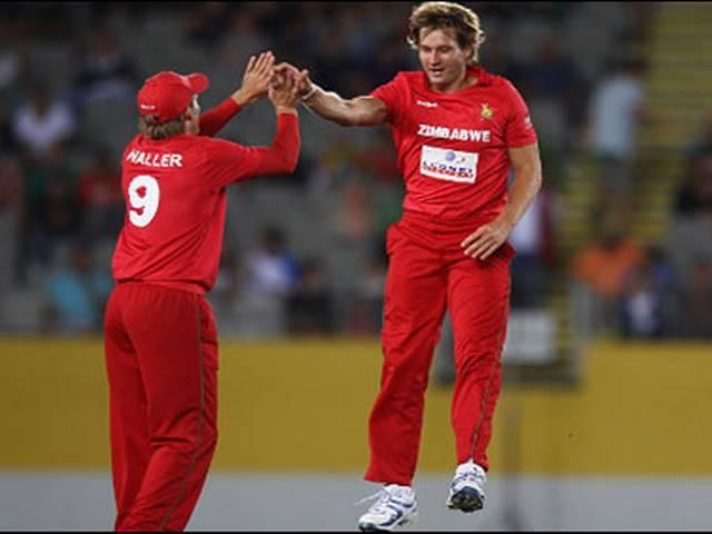 icc_zimbabwe_malcolm waller_bowling_green signal