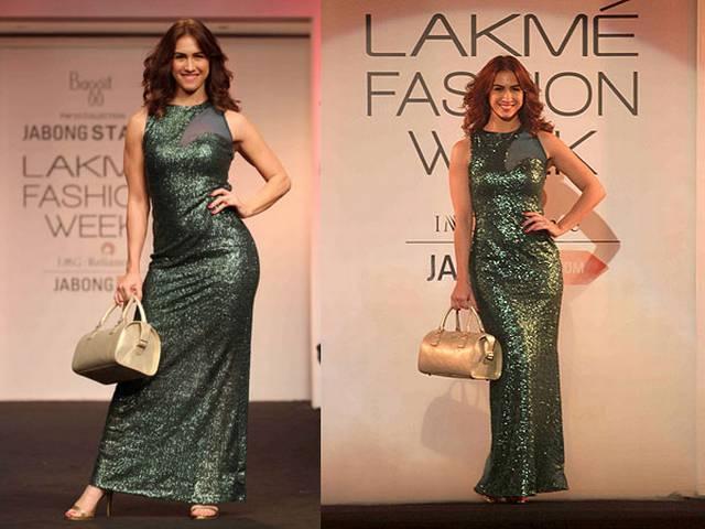 Sexy Lauren Gottlieb walks the ramp at Lakme Fashion Week 2015