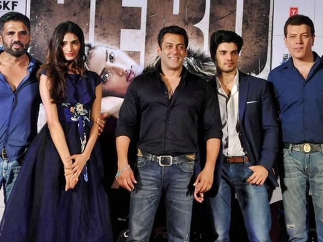 Shah Rukh Khan is my favourite hero: Athiya Shetty