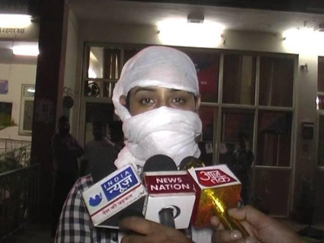 eve teasing tv actress in delhi