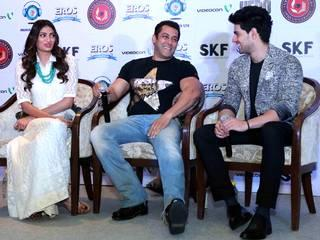 Bollywood_actor_Sooraj Pancholi_Athiya Shetty_Salman Khan_promotion_Hero