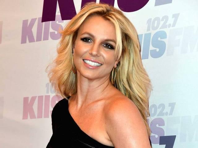Britney Spears' father urges her not to date
