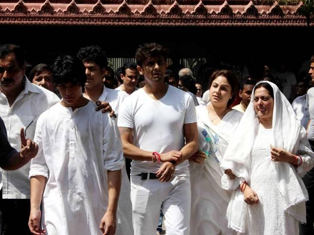 BOLLYWOOD CLEBS ATTEND AADESH SRIVASTAVA FUNERAL