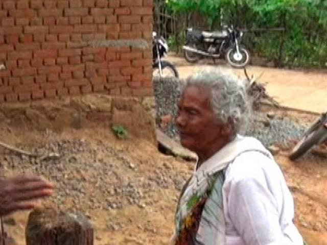 104 year old kunwarbai yadav presents an exemplary work for swachh bharat abhiyan