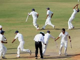 Vikram Solanki: Surrey's former England batsman retires