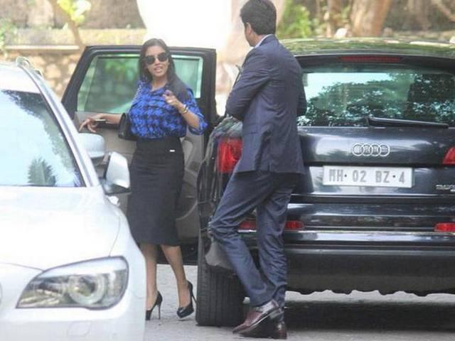Asin And Her Fiancé Rahul Sharma Visit Akshay Kumar On His Birthday