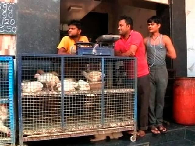 MNS workers protest against meat ban by selling chicken outside Jain residential complex