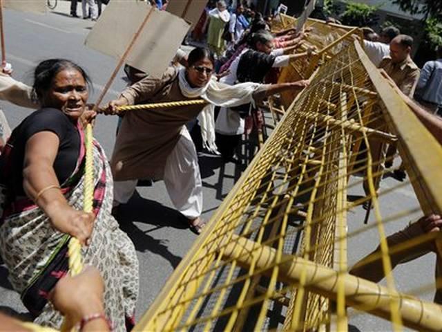 Saudi Arabian diplomat accused in rape case leaves India