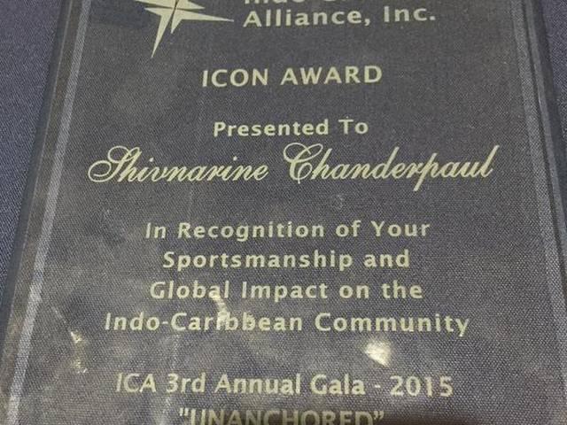 Shivnarine Chanderpaul receives Icon Award