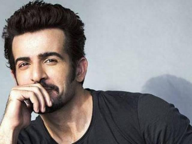 Jay Bhanushali opts for six pack meal