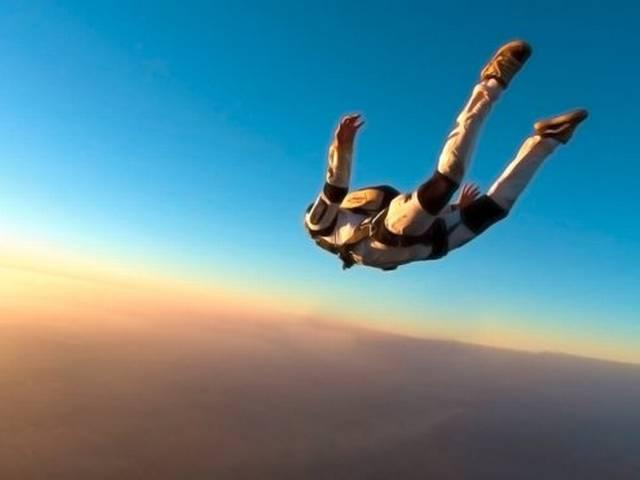 Extreme Sports Star Erik Roner Dies in California Skydiving Accident