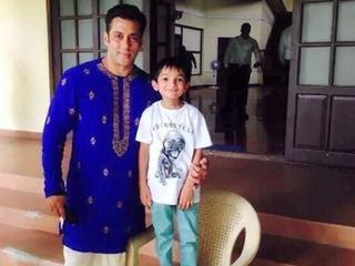 salman khan_look