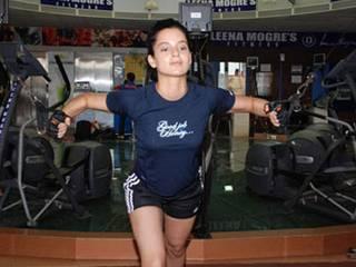 richa chadda posts gym pic on social media
