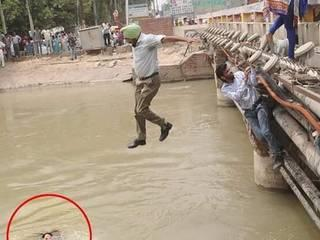 Sikh_Take Off_Turbans_Drowning_Ganesha Immersion