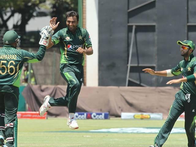 Bilal Asif five-for gives Pakistan series