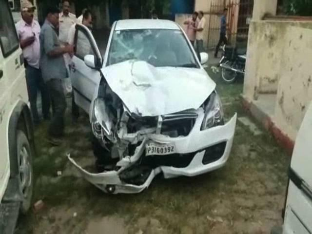 lakhimpur khiri sp car crashed a father and son