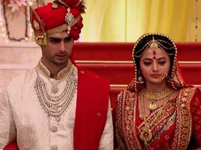 varun kapoor on dating with helly shah