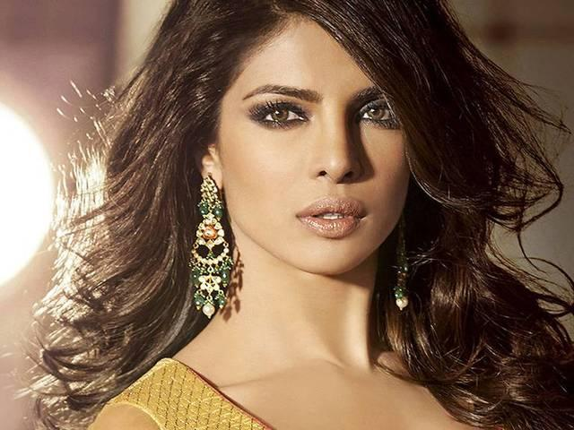 Most Of Bollywood Super Hit Actresses Flop In Study